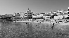 Desde las Islas Canarias  ..Fotografias  : Black and White...Playa Muelle Chico en Corralejo ...