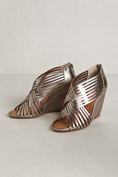 Love these!! Taproot Wedges #anthropologie