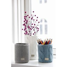 Knitted vases/containers
