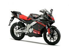 #125cc #sportive ....qual' è la vostra #signorina? #check comparativa http://moto.infomotori.com/articolo/novita/24159/le-6-moto-sportive-125cc-pi-apprezzate/