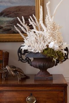 Coastal living - this could be a way to start my French Coastal theme - the urn frenchy and the coral coastan! Coastal Style, Coastal Living, Coastal Decor, Vibeke Design, Estilo Tropical, Enchanted Home, Beach House Decor, Home Decor, Shell Crafts