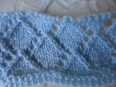 marizamiziara: Ponto Losango em tricô Knitting Stiches, Lace Knitting, Knitting Patterns Free, Free Pattern, Knit Crochet, Paper Jewelry, New Crafts, Paper Piecing, Knitted Hats
