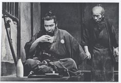 Press photo for Yojimbo (用心棒), 1961, directed by Akira Kurosawa (黒澤明) and starring Toshiro Mifune (三船敏郎).