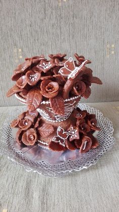 Vase of Roses ~ Gingerbread Gingerbread, Food And Drink, Roses, Pink, Ginger Beard, Rose