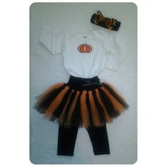Baby Girl Outfit - Handmade: Amelia's Halloween outfit, she was a pumpkin ballerina! We made the complete set (except the leggings): tutu, bodysuit (the embroidery) and headband. We're proud of ourselves!  What do you guys think?    This kind of costumes are perfect for birthday parties, photo shoots, etc... If you are interested in getting a complete look like this, just contact us and we'll be pleased to assist you! #ootd #ootdkidz #custombodysuit #personalizedonesies #customtutu