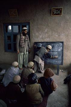 School Afghanistan   Steve McCurry