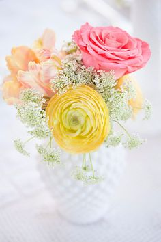 Small Centerpiece - Roses and Ranunculus: Peach Pink Yellow | Queen Anne's Lace | On SMP | Mirelle Carmichael Photography