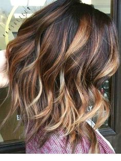 Dark brown with caramel and blonde balayage hair colors for fall, fall hair color 2017 Brunette Color, Ombre Hair Color, Hair Color Balayage, Blonde Balayage, Blonde Ombre, Red Blonde, Caramel Blonde, Blonde Highlights, Chunky Highlights