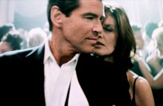 Rene Russo and Pierce Brosnan in the remake of The Thomas Crown Affair