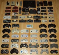 75 mandos históricos de videojuegos funcionando en una única consola
