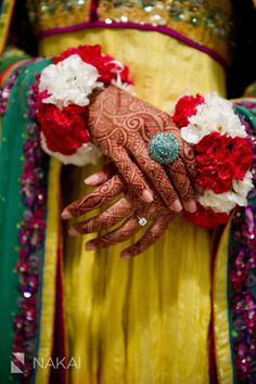 Chicago Pakistani Mendhi Photos by Nakai Photography at Renaissance Chicago North Shore! Flower Henna, Hand Flowers, Flowers In Hair, Fabric Flowers, Bridal Jewellery Inspiration, Bridal Mehndi Dresses, Indian Wedding Favors, Beautiful Indian Brides, Girl Hand Pic