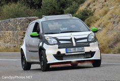 Smart ForFour to be launched in 2015, photographed during its initial testing phase. | Car Spy Photos