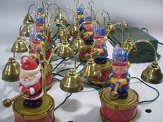 1991 Mr Christmas SANTA'S MARCHING BAND Toy Soldiers 16 Brass Bells Musical Song #MrChristmas