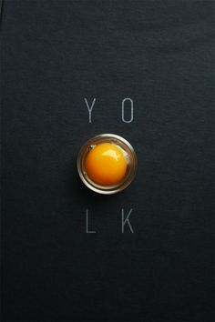 Food photography and styling : Egg Yolk food photography tips. Food Photography Tip - White printer paper Kahlua Cocolate Mousse Web Design, Food Design, Food Photography Styling, Food Styling, Graphic Design Inspiration, Food Inspiration, Egg Art, Illustrations And Posters, Graphic Design Typography