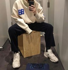 I know you done been through the pain and struggle. So baby just let me take care of you. Ulzzang Fashion, Tomboy Fashion, Fashion Killa, Streetwear Fashion, Look Fashion, Korean Fashion, Outfits Hombre, Boy Outfits, Fashion Outfits