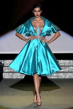 outfit realizzato da Mariana Cino per il Secoli fashion show 2014  #istitutosecoli #fashionshow #50style #50 #fashion #catwalk #work #fashiondesign #creativity #silk #marianacino