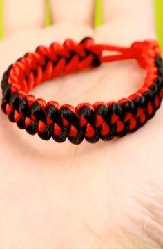 Diy Bracelets Patterns, Macrame Bracelet Patterns, Diy Bracelets Easy, Rope Bracelets, Macrame Patterns, Parachute Cord Bracelets, Paracord Bracelets, Paracord Bracelet Designs, Bracelet Tutorial