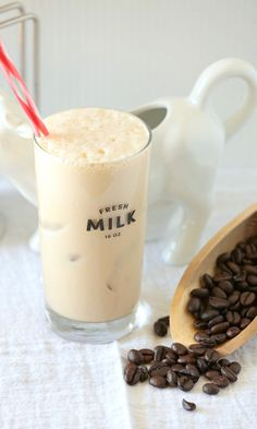 This is the perfect breakfast or snack recipe! Vanilla Cappuccino Protein Smoothie - Low Calorie, Low Fat Healthy Recipe