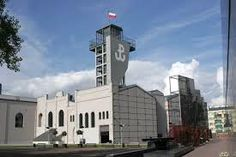 Warsaw Uprising Museum, Poland // Weston Table