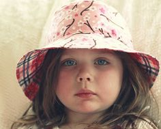 That Morris Family: Toddler Sun hat. Links to free Oliver + s pattern.
