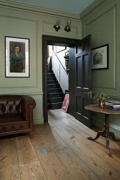 Modern Country Style: Colour Study Farrow and Ball French Gray Click through for. Modern Country Style: Colour Study Farrow and Ball French Gray Click through for details. Georgian Interiors, Georgian Homes, Georgian Residence, Modern Georgian, Cottage Interiors, Green Paint Colors, Room Colors, Wall Colors, Color Walls