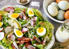 Green Salad Topped with Ham and Egg with a Creamy Buttermilk Dressing ~ Three Egg-Cellent Ways to Use Your Hardboiled Eggs! Leftovers Recipes, Ham Recipes, Veggie Recipes, Low Carb Recipes, Buttermilk Dressing, Ham And Eggs, Egg Salad Sandwiches, Salad Topping, Fresh Chives