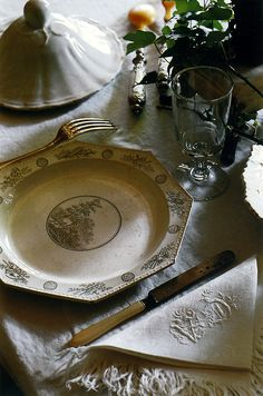 Home For The Holidays Series Finale: Table Settings And Sideboards