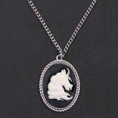 Eenhoorn unicorn Cameo ketting zwart/zilver - Gothic Victoriaans