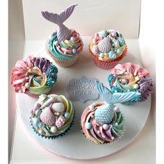 Mermaid Birthday Cakes, Mermaid Cupcakes, Baby Girl Birthday, Cute Desserts, Summer Desserts, Just Cakes, Cakes And More, Themed Cupcakes, Mini Cupcakes