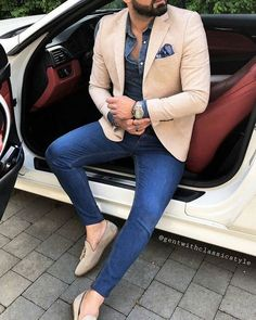 Men's Beige Blazer, Navy and White Gingham Dress Shirt, Blue Skinny Jeans, Brown Leather Tassel Loafers Beige Blazer Outfit, Blazer Outfits Men, Stylish Mens Outfits, Blue Blazer Outfit Men, Outfits Hombre, Casual Outfits, Mens Fashion Suits, Mens Suits, Men's Fashion