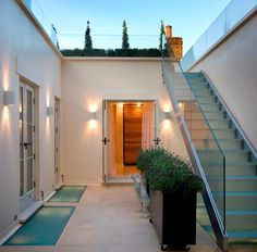 Glass floor panels and balustrade Glass Balustrade, Glass Railing, Glass Balcony, Glass Floor, Shower Screen, Wall Finishes, Glass Shower, Glass Screen, Townhouse