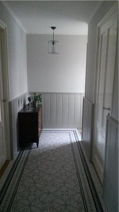 Hallway painted in Farrow and ball colours Ammonite ( walls ) and Purbeck stone…. Hallway painted in Farrow and ball colours Ammonite ( walls ) and Purbeck stone. Lovely combination with the floor. Hallway Paint, Tiled Hallway, Grey And White Hallway, White Walls, Coving Ideas, Tongue And Groove Panelling, Hallway Colours, Flur Design, Dado Rail