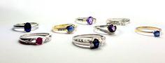 Pierścionki zaręczynowe z Kolekcji Walentynkowej. Pojedyncze egzemplarze z kolorowymi kamieniami dostępne w promocji -30% do 14 lutego.