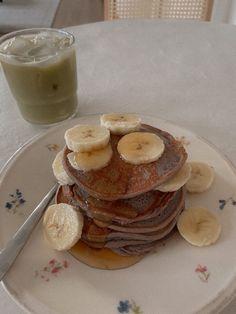 Gluten Free Blueberry, Healthy Blueberry Pancakes, Yogurt Pancakes, Yogurt Breakfast, Vanilla Yogurt, Almond Flour, Fresh Fruit, Good Healthy Recipes, Healthy Snacks