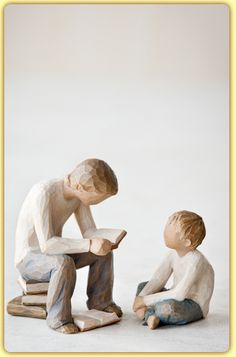 Willow Tree® Quest and Imaginative Child Family Gathering Willow Tree Statues, Willow Figurines, Willow Tree Figures, Willow Tree Angels, Sculptures Céramiques, Sculpture Art, Abstract Sculpture, Willow Tree Family, Willow Wood