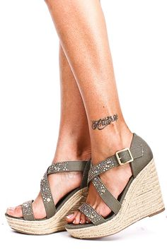 Loving these olive khaki wedges. They would match all of the Earthy colored clothes!