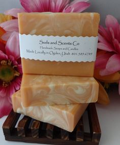 PINK GRAPEFRUIT Scented Moisturizing Handmade body soap. Handcrafted using the cold process method with Goats Milk, Aloe Vera , Kaolin Clay by SudsNScentsCo on Etsy