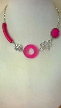 Your place to buy and sell all things handmade - Fuchsia jewelry modern jewelry Funky jewelry Fuchsia - Funky Jewelry, Cute Jewelry, Modern Jewelry, Jewelry Crafts, Unique Jewelry, Handmade Jewelry, Jewelry Ideas, Wire Necklace, Short Necklace