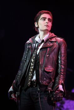 Hannah Corneau as Yitzhak in Hedwig and the Angry Inch