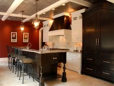 Scenic White And Red Wall Painted Traditional Kitchen Ideas Added Traditional Homes Kitchens Remarkable Traditional Kitchen Kitchen Kitchen Design Layout Ideas. Kitchen Design Tool Free. Traditional Style Kitchens.
