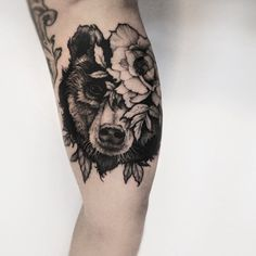 flower & bear tattoo by @piotrbemben_tattoo #FlowerTattooDesigns