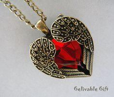 Amor corazón collar, latón antiguo corazón forma ángel alas rojas joya collar NH04 on Etsy, $53.20