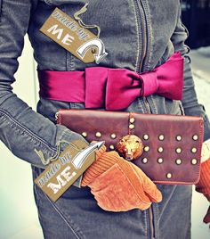 #imadeit #pixlrcontest  Bow belt from two men's ties and clutch with lion