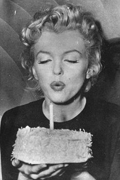 28 Rare Photos of Marilyn Monroe You Must See | Daily Makeover 1956 Marilyn blows out candles on her 30th birthday. Read more: http://www.dailymakeover.com/trends/hair/marilyn-monroe/#ixzz3LnKDrKrs