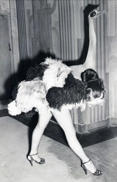 """surreal photo still of a cabaret dance act in progress 1951 """"Ostrich"""" dancer in the Folies Bergere show at the London Hippodrome Vintage Burlesque, Vintage Circus, Vintage Carnival, Vintage Dance, Vintage Witch, Cabaret, Ostrich Costumes, Folies Bergeres, Looks Halloween"""