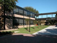 St. Thomas University, Houston, Philip Johnson Architect