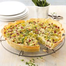 Leek and cheese quiche with ham recipe WW Germany - Leek and cheese quiche with ham Recipes Weight watchers - Dutch Recipes, Ham Recipes, Cooking Recipes, Plats Weight Watchers, Weight Watchers Meals, Healthy Cooking, Healthy Snacks, Healthy Recipes, Brunch