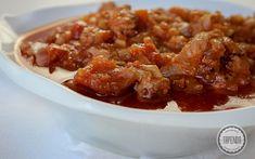 Sos pomidorowy do makaronu - przepis - Tapenda.pl