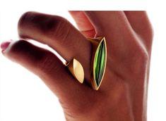 Ring «Turmalin-Schiffchen» by Angela Hübel