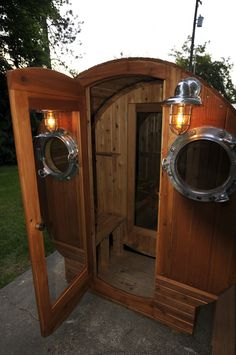 Salus Indoor and Outdoor Infrared & Traditional Saunas Mobile Sauna, Diy Sauna, Sauna Kits, Indoor Sauna, Barrel Sauna, Traditional Saunas, Hot Steam, Bedroom Organization, Tiny Homes